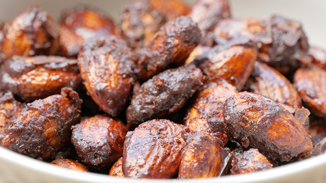 Healthy Caramelized Almonds